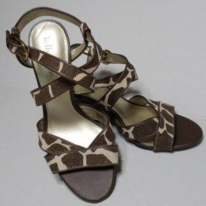Kelly & Katie Shoes sz 8 High Heel Sandals